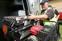 Policisté představili speciální sledovací vůz.