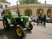 Závod O pohár hraběte Chotka měl cíl první etapy na zámku v Ploskovicích