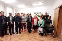 Svaz vietnamských občanů v Ústí předal dárky klientům Domova pro osoby se zdravotním postižením.