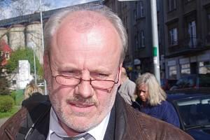 Miroslava Štráchala odvolali zastupitelé v tajné volbě.