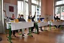 Krajské volby na ZŠ Trmice