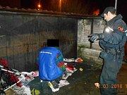 Akce strážníků městské policie zaměřená na čistotu ve městě.