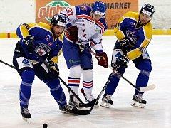 Hokejisté Ústí (modro-žlutí) doma porazili Litoměřice 5:3.