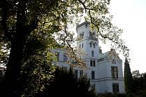 Trmický zámek je opět na prodej.