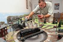 Modelová železnice tentokrát během nočních jízd bude k vidění na trmickém zámku. Spolu s tím nabídne muzejní a kostelní noc po celém Ústecku řadu dalších zajímavostí.