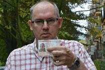 Redaktor Radek Strnad s neplatným občanským průkazem.