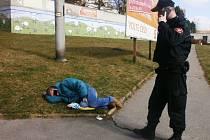 Strážníci našli silně opilého muže.