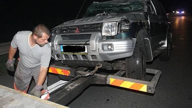 Dopravní nehoda se ve večerních pondělních hodinách stala na hlavním tahu z Bíliny na Teplice u Ledvic.