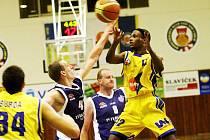 Americký rozehrávač ve službách ústeckých basketbalistů Thaddus McFadden by měl být největší osobností a tahounem Severočechů v Mattoni Národní lize.