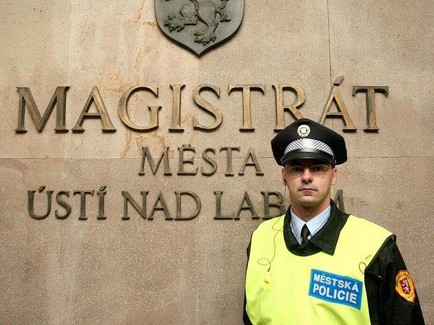 Fotoreportér Deníku se na jeden den stal strážcem pořádku v Ústí nad Labem.