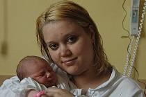 Monika Zrübecká, porodila v ústecké porodnici dne 4. 4. 2011 (18.00) dceru Anetu (49 cm, 3,35 kg).