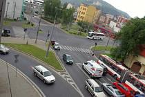 Po dokončení protipovodňových opatření povede hlavní silnice z Velké Hradební k pěti obloukům.