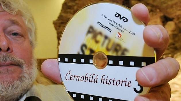 Křest nového DVD o ústecké historii: Černobílá historie. Křtil ho autor ústecký filmař František Šmahel ve spolupráci s televizí Lyra
