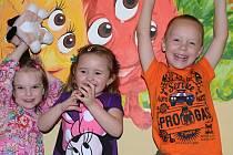 Děti slavily konec školního roku.