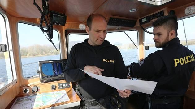 K hlídkování na Labi nyní slouží nový kajutový člun.