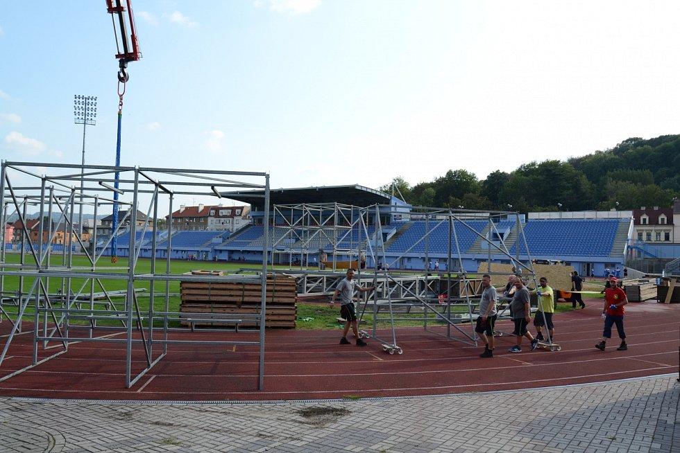 Přípravy na Mistrovství ČR vpožárním sportu 2019 vÚstí nad Labem, pondělí 26. srpna