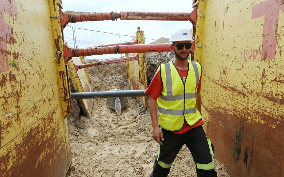 Slavnostní ukončení první etapy stavby přivaděče pitné vody pro Ústí nad Labem proběhlo u Libochovan