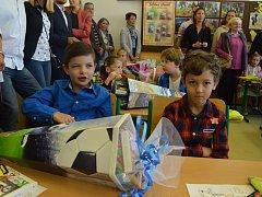 První den školního roku v 1. třídě ZŠ Mírová na Severní Terase v Ústí nad Labem.