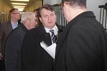 Poslanec Šulc se dostal ke svědecké výpovědi.