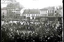 Tentokrát se podíváme do historie ústeckého Mírového náměstí