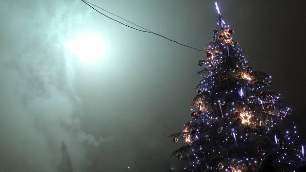 Rozsvěcení Vánočního stromu v parku na Terase v roce 2018