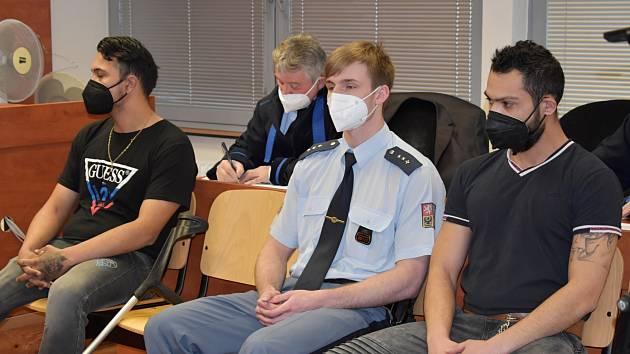 Patrik S. (vpravo) a Radek H. u soudu