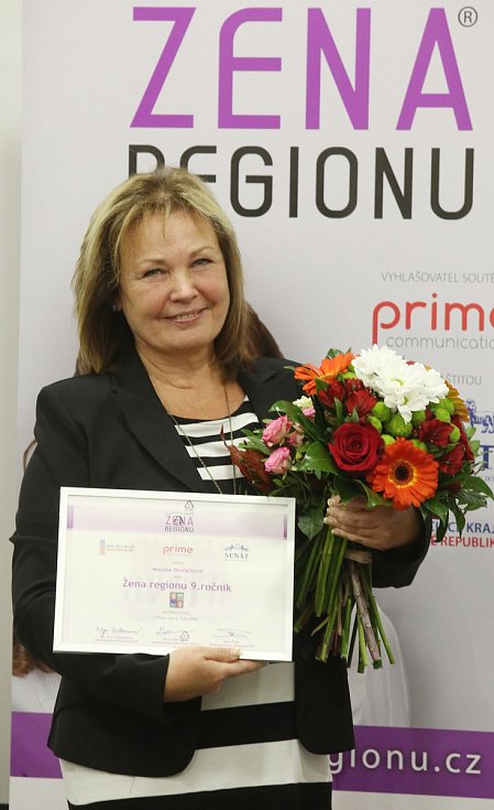 Ženou regionu za Ústecký kraj se stala ředitelka charity Jiřetín pod Jedlovou Marcela Dvořáčková.