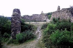V útulné hospůdce se mohou turisté občerstvit před další túrou po Opárenském údolí.