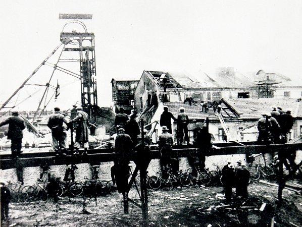 Výbuch uhelného prachu důl zcela zničil.