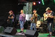Hudební festival Interporta v Ústí nad Labem na Severní Terase u jezírka Laguna.