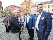 Diskuze na Lužickém náměstí v Rumburku.