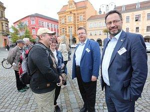 S lídry Deník-busem za voliči v Ústeckém kraji