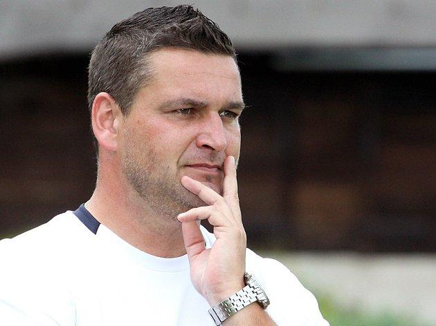 Trenér Chlumce Petr Škvor.
