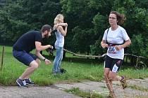 Nadšené běžce prověřil zablácený Střížovický vrch.
