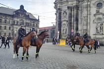 Sobotní demonstrace v Drážďanech.