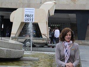 """PRO! Ústí vyrazilo do volební kampaně na """"Trojském koni"""""""