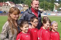 Na fotbalový stadion přijelo 300 dětí z 29 základních škol Ústecka, aby svedly boj o tři postupová místa do Prahy.