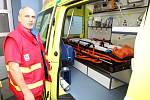 Zdravotnická záchranná služba Ústeckého kraje má od tohoto týdne k dispozici osm nových sanitních vozů.