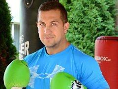 Michal Řehák trénuje kluky MMA, které kombinuje bojová umění.