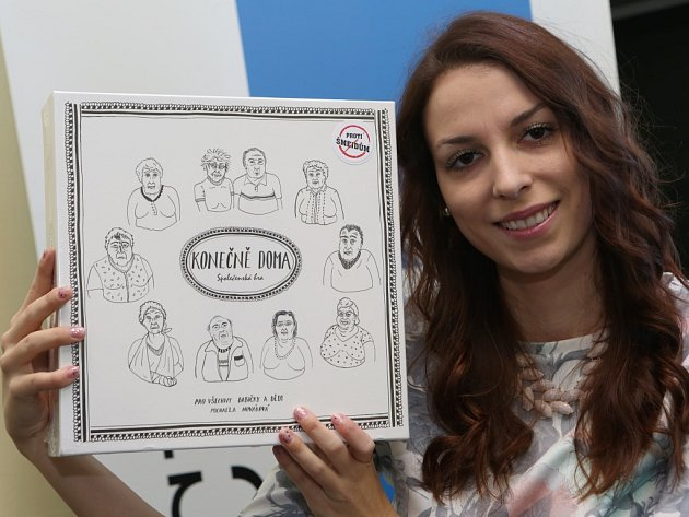 Studentka Michaela Nováková vymyslela stolní hru Konečně doma.