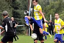 Fotbalisté Přestanova (žlutí) vyhráli čtyři zápasy v řadě.