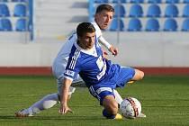 Ústečtí fotbalisté (bílí) doma rozstříleli Kolín 5:1.