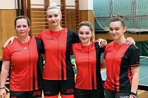 Stolní tenistky SKP Sever Ústí nad Labem. Zleva Smíšková, Vysocká, Ajdini a Nováková