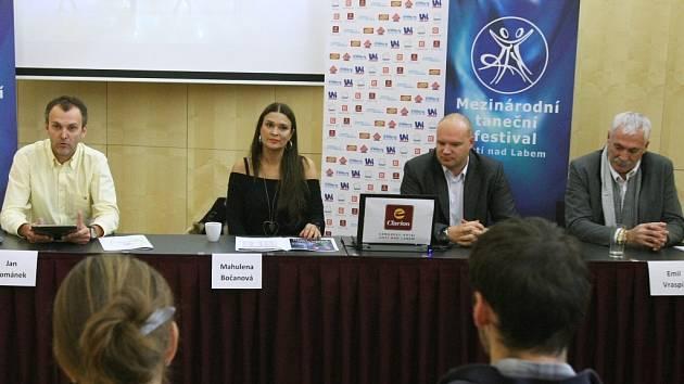 V roli moderátorské hvězdy 43. ročníku Mezinárodního tanečního festivalu Ústí nad Labem se v sobotu 3. listopadu v hale Sluneta na Klíši představí Mahulena Bočanová.