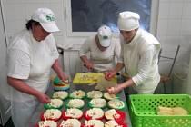 Slovenské sýry jsou k dostání každý čtvrtek na farmářských trzích u OC Forum.