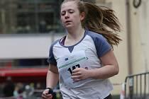 Maratonská štafeta kroužila centrem města.