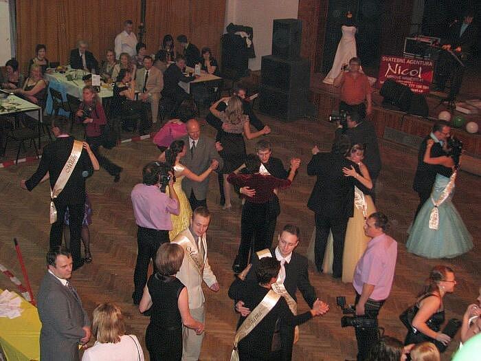Maturitní ples Obchodní akademie Pařížská, třída 4. C