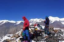 Na vrcholu sedmitisícovky Gyajikang.