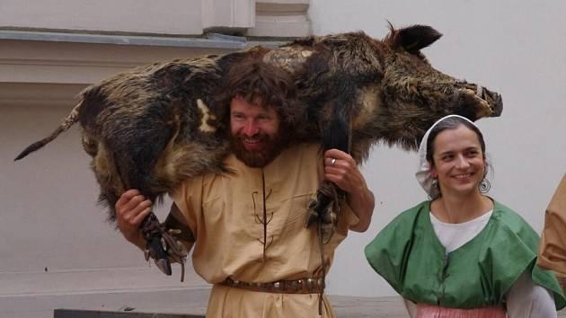 Jiráskovo dílo s humornou nadsázkou ožilo během slavnostní muzejní noci.