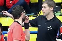Florbal Ústí nad Labem (černé dresy)zdolal na domácí palubovce Havířov 8:2, trenér Marek Vojta